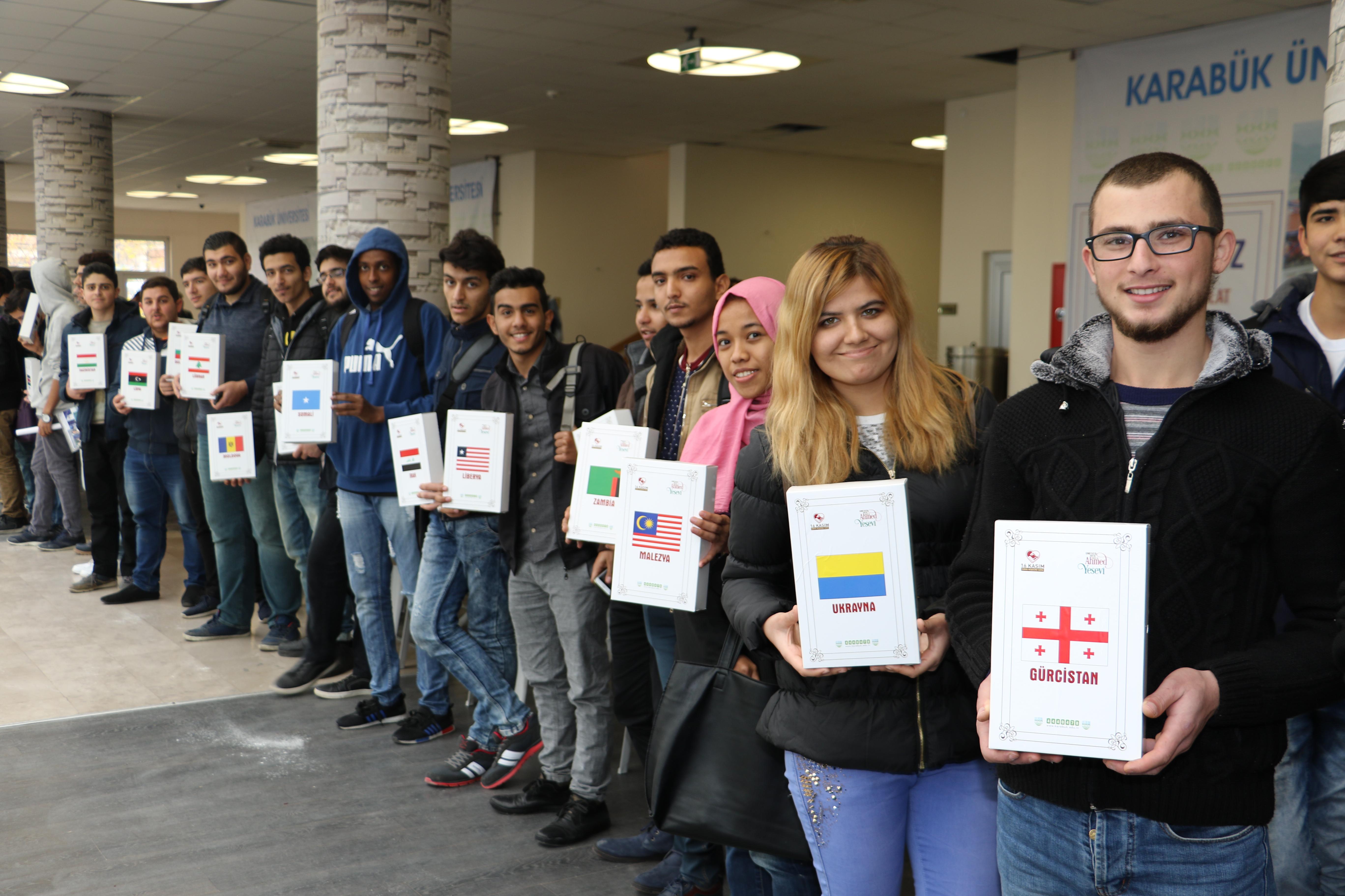 """Üniversitemizde düzenlenen """"Hoşgörü ekmeği yapımı"""" etkinliği TRT Haber'e konu oldu."""